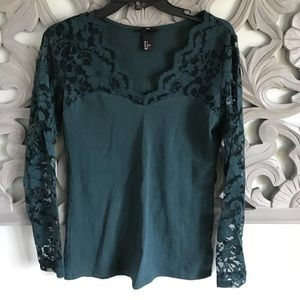 H&M long sleeve lace top- s